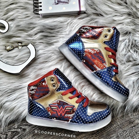 WB Other - NEW DC Wonder Woman High-Tops